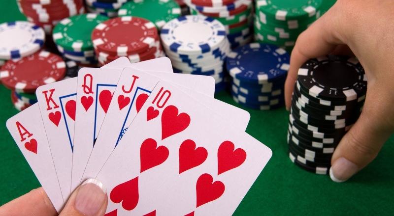 Cara Bermain Flush Draws di Poker